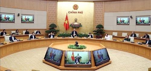 Le PM réitère son ordre de pratiquer sérieusement la distanciation sociale Souce Vietnam+
