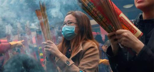 Célébration du Nouvel An lunaire au temple Che Kung, à Hong Kong, le 26 janvier 2020. REUTERS/Tyrone Siu