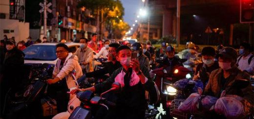 Coronavirus : alors que la vie reprend, les Chinois continuent de se serrer la ceinture. © Le Monde