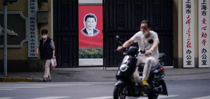 En Chine, le Covid-19 a impacté les plus vulnérables : migrants, fermiers, autoentrepreneurs. © Le Monde.