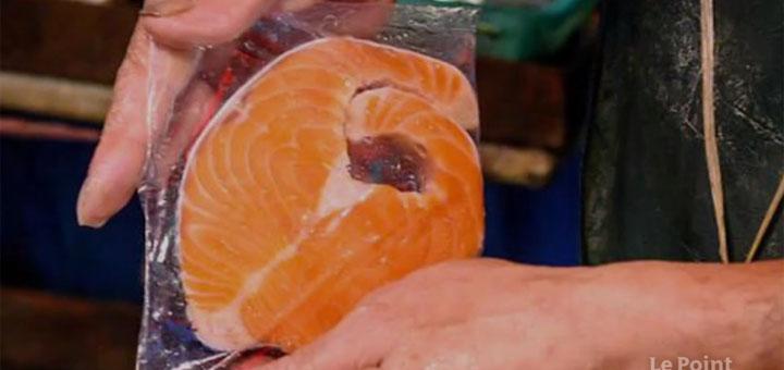 """Capture d'écran du reportage """" Coronavirus : le saumon, victime collatérale de la crise en Chine"""". © Le Point.fr"""