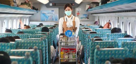 A bord des trains à Taiwan, les passagers peuvent désormais retirer leur masque s'ils sont séparés d'au moins 1,5 m des autres. © CNA