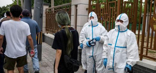 L'apparition il y a quelques jours à Pékin d'un nouveau foyer d'infection a relancé la vigilance. © GREG BAKER / AFP