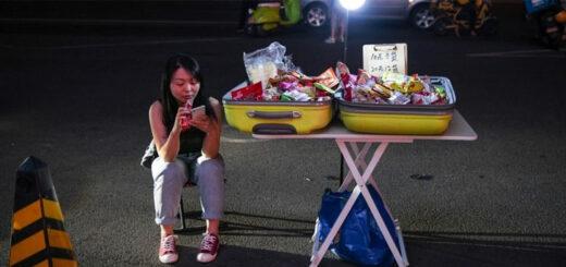 Dans la Chine post-Covid, les étals tentent de reprendre la rue. © AFP / GREG BAKER