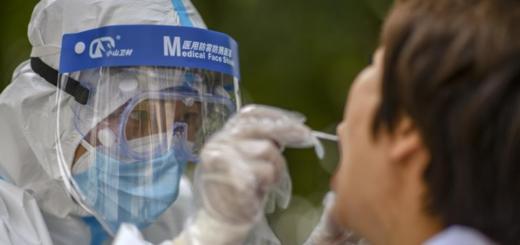Urumqi effectue des tests d'acide nucléique de COVID-19 dans toute la ville. © Xinhua/Zhao Ge