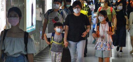 Si plus de 80 % des gens portent un masque dans les lieux publics clos, maintiennent une distance physique suffisante et se lavent fréquemment les mains, alors Taiwan restera sûr en matière de Covid-19, a déclaré le 1er août le ministre de la Santé, Chen Shih-chung. © CNA