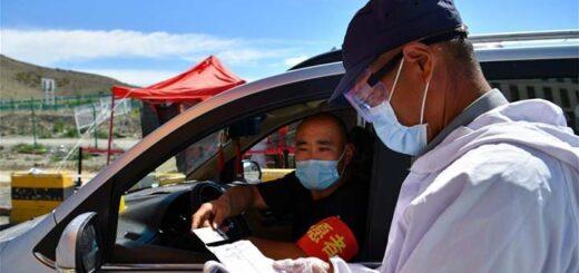 Urumqi assure l'approvisionnement de médicaments et d'aliments face à la résurgence du coronavirus. © Xinhua/Song Yanhua