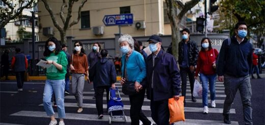 Shanghai authorities say two more people have tested positive for the coronavirus. © Reuters
