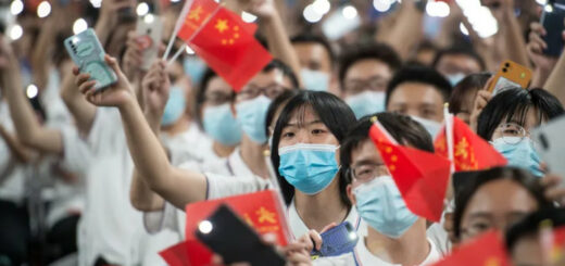 Cérémonie de rentrée à l'Université de Wuhan, dans la province de Hubei en Chine en septembre 2020. © Crédits : STR / - AFP