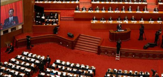 Le premier ministre Li Keqiang lors de son discours d'ouverture de la session annuelle du parlement, le 5 mars à Pekin. © CARLOS GARCIA RAWLINS / REUTERS