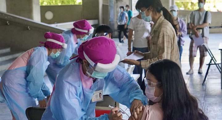 Le CECC compte s'appuyer dès le mois de juin sur 800 points de vaccination répartis à travers tout le pays et faire passer leur nombre à 2 000 d'ici le mois d'août. © CNA