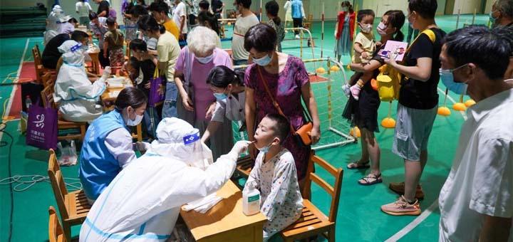 Nanjing lance une campagne de dépistage à l'échelle de la ville après des infections dans un aéroport @ Xinhua / Li Bo