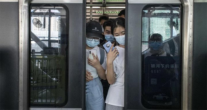 China is working to contain its broadest spread of Covid-19 since its initial outbreak, with students soon to resume travelling to school and university. @ Bloomberg